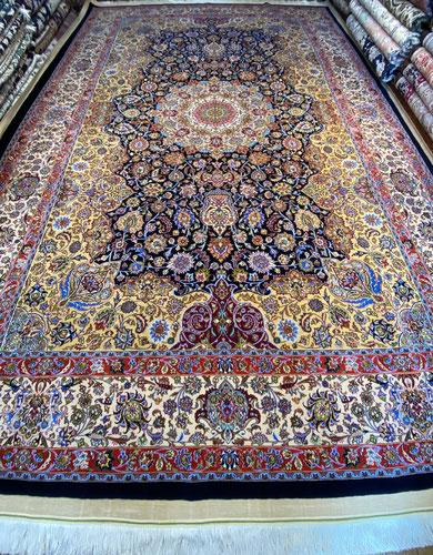MASHHAD産  MAHMUDI工房約6㎡ 90Raj 非常に細かく、silk絨毯以上のノットです。