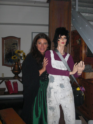 Anita mit Puppe