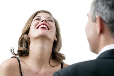 Möchten Sie auch herzhaft lachen, ohne das unschöne Füllungen zu sehen sind?