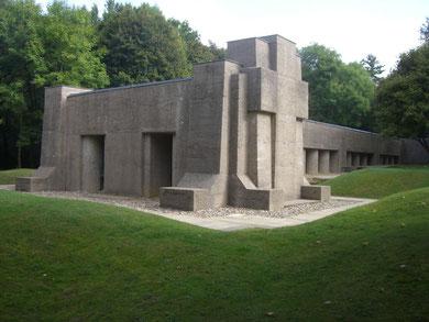 Unter diesem Gebäude befindet sich der Graben