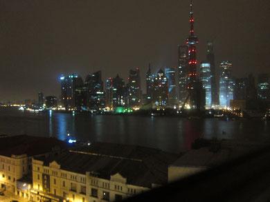 ホテルから見た上海の夜景