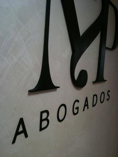 Madera. Diseño de Lookanddoit Branddesign