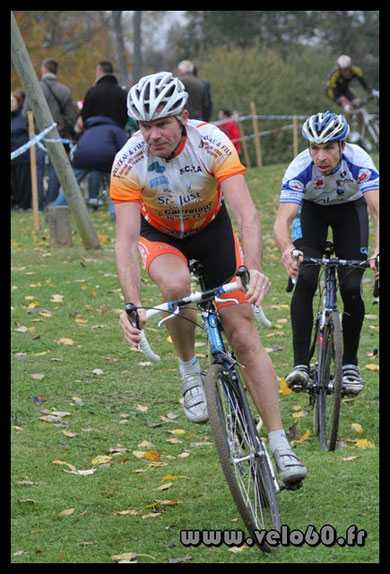 Samuel Bruhier au Cyclo-cross de ST JUST EN CHAUSSEE  le 6 Novembre 2011