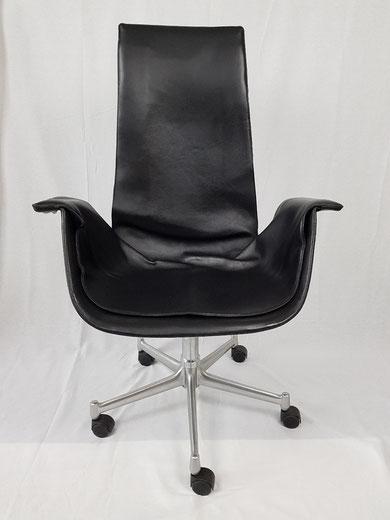 Preben FABRICIUS et Jorgen KASTHOLM fauteuil BIRD ou FK édition Walter Knoll 1989