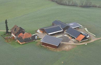 Solaranlage auf den Dächern der Liegenschaft Muff, Paradies, Neuenkirch