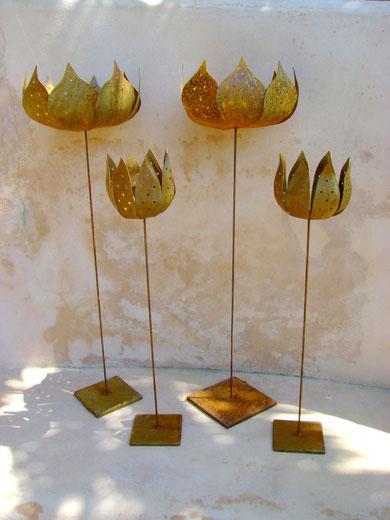 """""""WINDLICHTER"""" (Material:Eisen, Windlicht groß, Durchmesser:0,23m, Länge:0,75m, Preis:39€, Windlicht klein, Durchmesser:0,12m, Länge:0,60m, Preis:34€)"""
