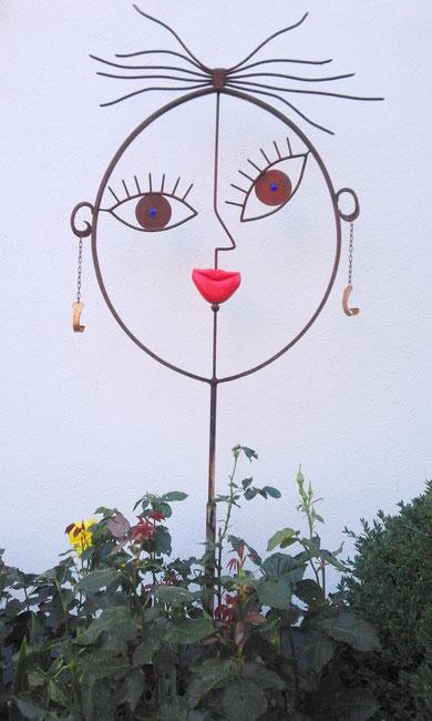 """MISS KISS"" (Material:Eisen, Holz, Glas, Höhe:1,75m, Breite:1,00m, Preis:590€)"