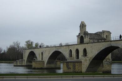 le pont Bézenet, le fameux pont d'Avignon... On n'y a pas dansé... prix d'accès déraisonnable!