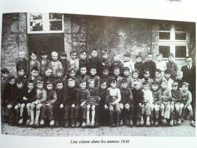 Une classe dans les années 1930