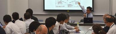 講演中の山田先生
