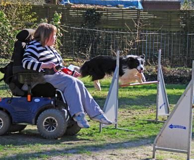 ... dass auch ein Rollstuhl beim Training kein unüberwindliches Hindernis ist.