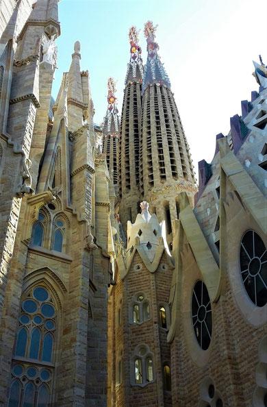 Fotoparade - die schönsten Fotos von Reisezielen in Europa - Gaudis Meisterwerk die Sagrada Familia in Barcelona