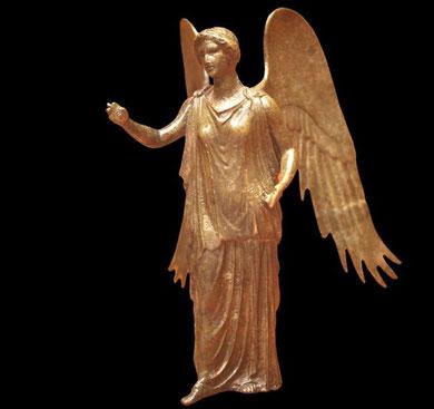 Les experts pensent que l'aile provenait probablement d'une statuette de la déesse romaine de la victoire, similaire à celle du Musée de Lyon (Wikimedia Commons)