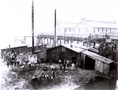 Erdarbeiten am Baubassin etwa 1872 (Foto: Tiefbauamt Kiel)