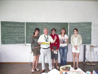 Hartmut mit vier unserer Tschernobylkinder in der Vormittagsbetreuung