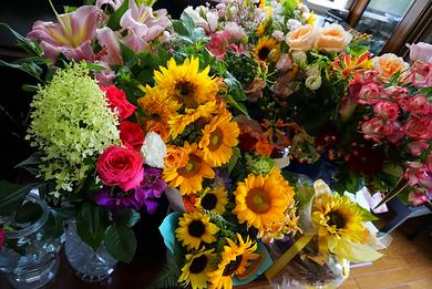 たくさんの素敵なお花やお菓子を頂きました!本当にありがとうございます♪