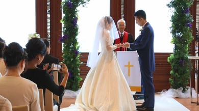 大阪、神戸、京都、関西でのおすすめ、人気 結婚式カメラマン、ビデオは結婚式moviesへ