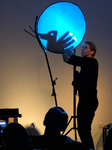 Karin Schmitt am 21.9.19 im KIME Bühnenraum