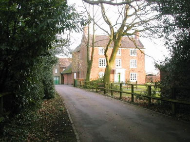Fox Hollies Farm photographed by Rowland Turner on Geograph SP1494 reusable under Creative Commons licence