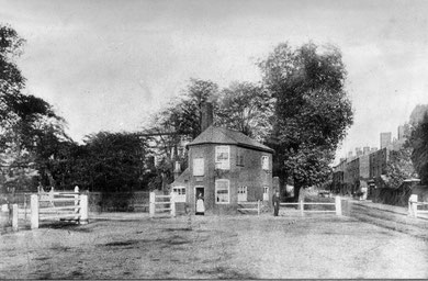 The tollhouse at the junction of Hamstead Road and Villa Road. Acknowledgements to Handsworth Historical Society for their kind permission to use this image - 'All Rights Reserved'. See Acknowledgements for a link to their website.