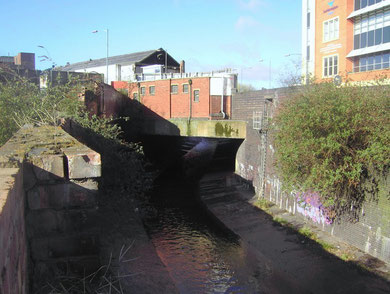 The River Rea bridge. The river is flowing towards the photographer; Deritend is to the left of the picture, Digbeth to the right.