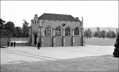 King Edward's School for Boys - chapel 1952. Photograph 'All Rights Reserved' courtesy of Robert Darlaston - see Acknowledgements.