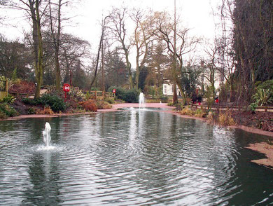 Kings Heath Park. Copyright Phil Champion and licensed for reuse under Creative Commons Licence: Attribution-Share Alike 2.0 Generic. Geograph OS reference SP0781.