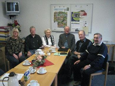 Von links: Gertrud Wegwitz, Hans-Albrecht Grothe, Charlotte Heimburger, Joachim Mertke, Vorsitzender Manfred Kolbe und Heinz Schinke,