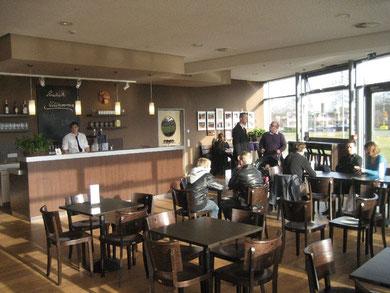Der Innenraum des Cafe Auszeit