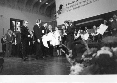 CVJM und Diakonie bei der Preisverleihung in Köln 1991 mit der Bundestagspräsidentin Professorin Dr. Rita Süßmuth