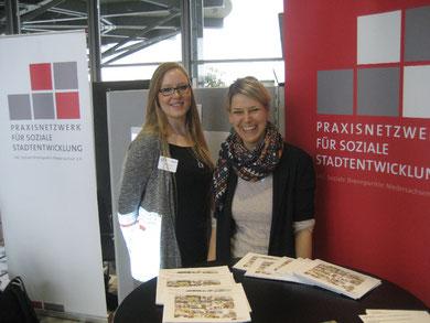 Anna-Marie Eichhorn (links) und Johanna Klatt von der LAG Soziale Brennpunkte Niedersachsen
