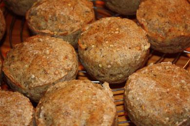 Vollkornbrot, einmal in Muffinsformen gebacken