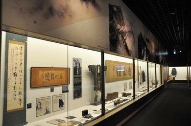 大町山岳博物館の山岳ガイドの歴史の展示コーナー
