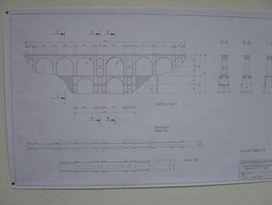 die technische Entwurfszeichnung der Brücke