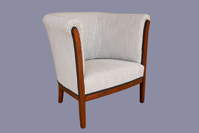 restauration d'un fauteuil Art Déco avec un tissu rayé