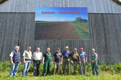 """Die Landwirte von Hümme bekennen sich klares zur Natur und """"zeigen deutlich Flagge"""" wider den Wahnsinn"""