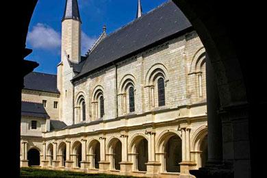 ©Traudi*** Abteikirche mit Kreuzgarten