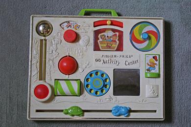 Un jouet téléphone à cadran fin des années 70