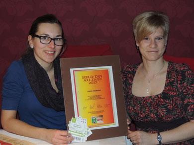Christiane Claßen, links im Bild, zusammen mit ihrer Heldin des Alltags Judith Proboscht