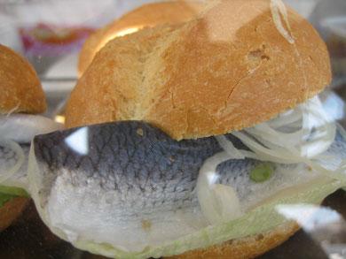 """""""Heringe"""" - ab sofort nicht nur am Fischstand, Foto: P.H."""
