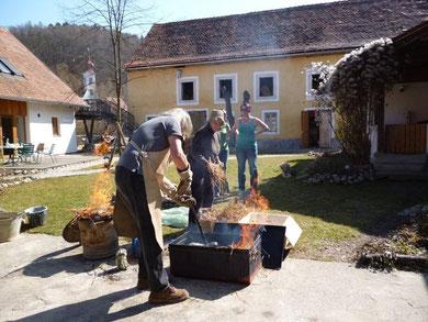 Kurs: Aktmodellieren (weibl.) mit Rakubrand 2. Teil@ Werkstatt Murberg 12.03.2016, 10:00 Uhr