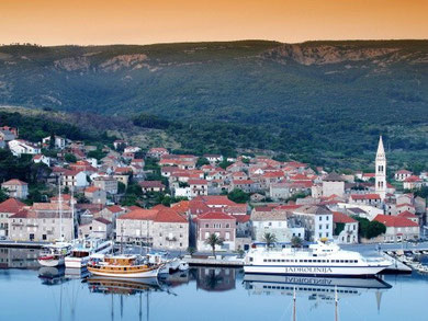 Hvar - Sucuray harbour