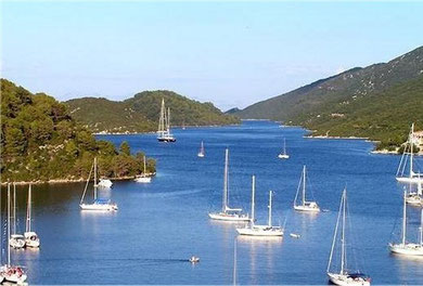 Mljet - Entrance at the Polace harbour