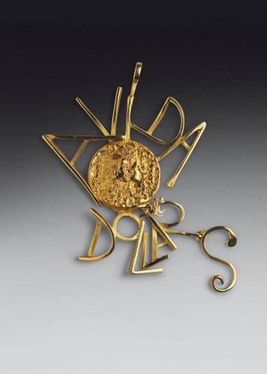 Золотые монеты и украшения Сальвадора Дали