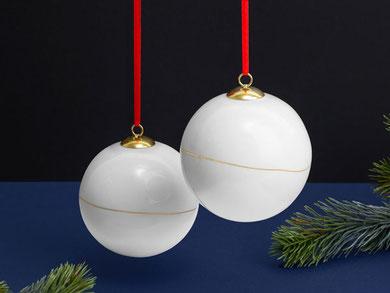Weihnachtskugel Goldlinie Porzellan
