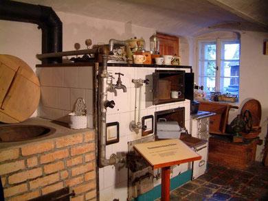 Kachelofen in der Küche