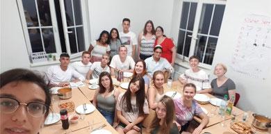 Die deutsch-israelischen Teilnehmer beim gemeinsamen Shabbat-Dinner - Foto: SJR