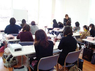 仙台市泉パークタウンカルチャーセンター ジェルネイルの外部講座。楽しく学ぶがコンセプト