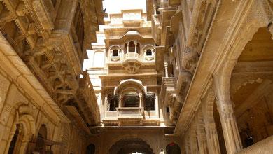 Die wohl prachtvollste Haveli in Jaisalmer ist die Patwon-Ki-Haveli.