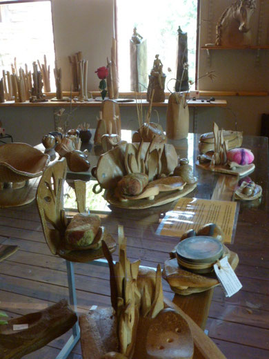 """Salle d'Expo-Vente à """" Bouquet de Flammes """" ..."""